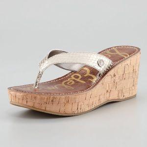Sam Edelman Romy Wedge Sandal/Light Gold